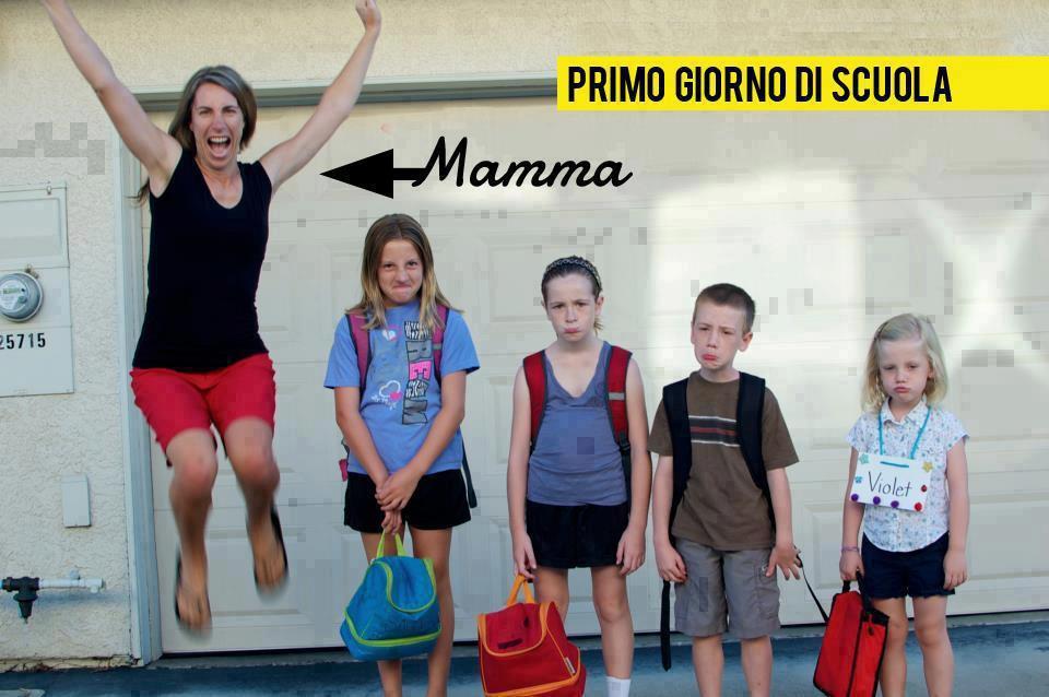 mamma_felice_primo_giorno_scuola