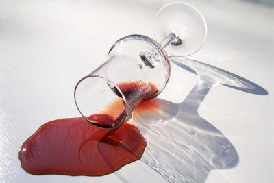 vino rosso macchia